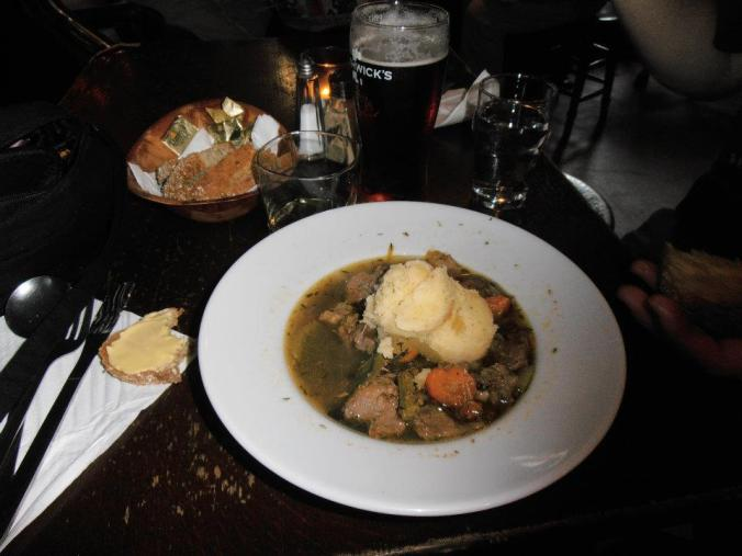 BEST IRISH STEW EVAHR!!! I didn't get the exact recipe but one damn close to it >;D